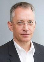 Dr. Peter Müller weitere 3 Jahre Vorstandsvorsitzender der Stiftung Gesundheit