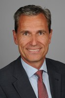 Manfred Heinzer wird neuer Geschäftsführer der Amgen GmbH