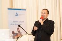 Prof. Stefan Kins verstärkt Wissenschaftlichen Beirat der Alzheimer Forschung Initiative e.V.